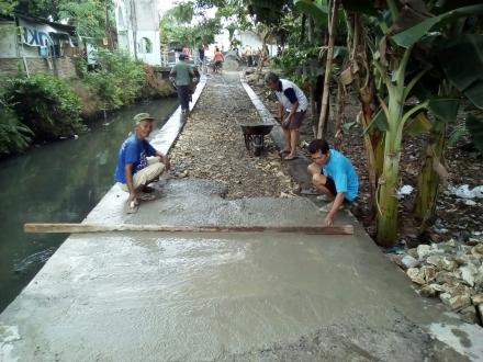 Pengerasan Jalan Dusun