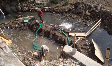 Perkuatan Tebing Sungai Belik Terkendala, Aliran Tuk Lebih Cepat dari Pompa