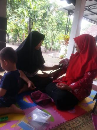 Kegiatan Posyandu Balita dan Lansia Dusun  Brajan Pacar Desa Wonokromo