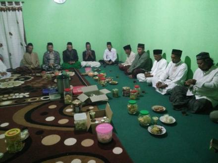 Takmir dan Pokgiat Dusun Brajan Silaturahim Kepada Para Ulama