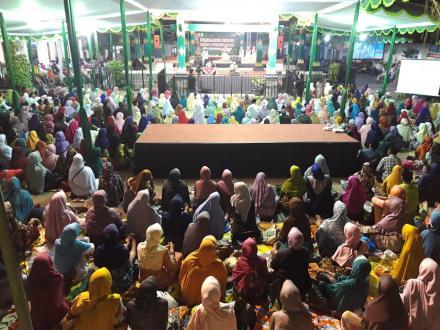Pengajian Akbar Rebo Pungkasan dan Peringatan Hari Santri Nasional Desa Wonokromo