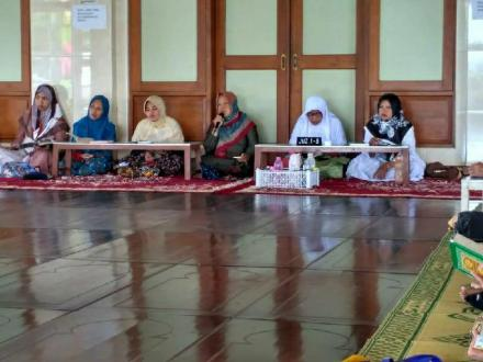 Simaan Alquran Ahad Pahing di Masjid Kagungan Dalem Mi'rojul Muttaqinalloh Jejeran