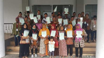 Warga Dusun Pandes II  Antusias Hadiri Acara Penyerahan Sertifikat Program PTSL di Kulonprogo
