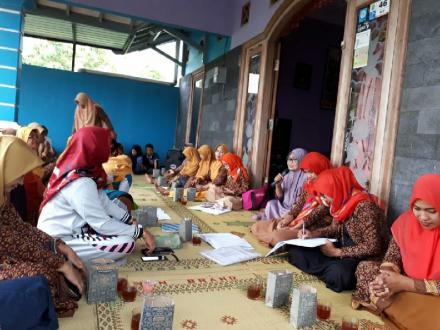 Pertemuan Rutin PKK RT 001 dan RT 002 Dusun Demangan